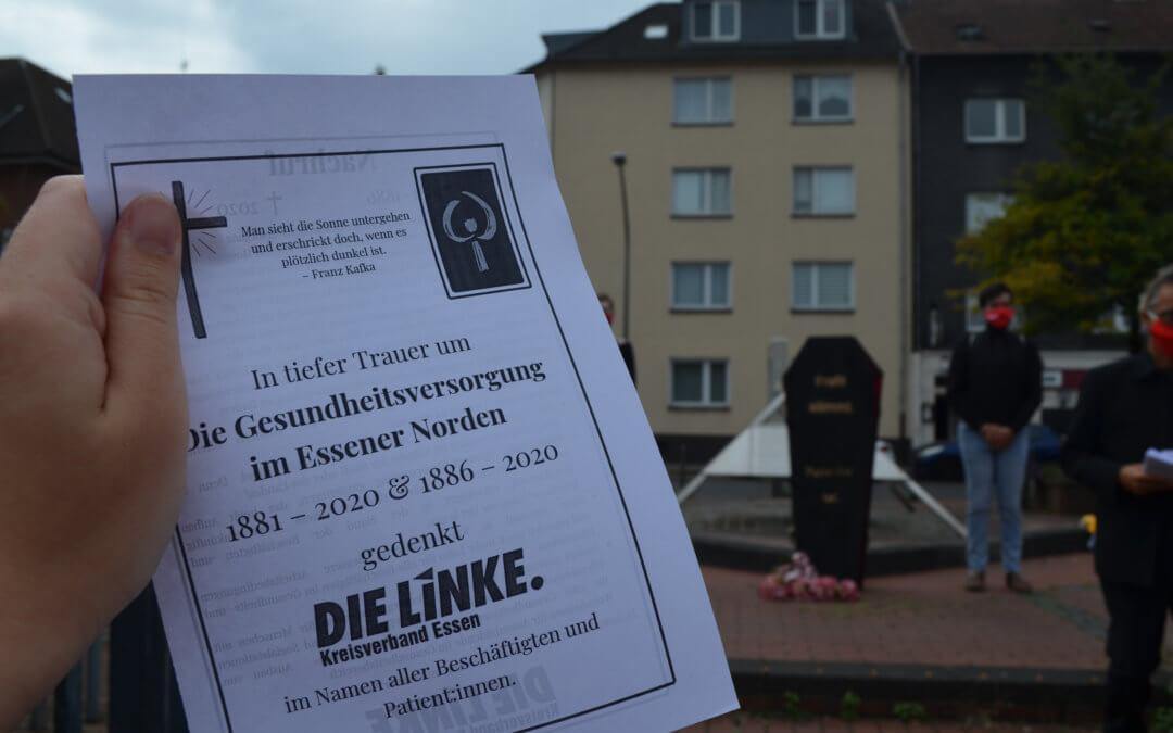 """Ungewöhnliche Aktion gegen Krankenhaus-Schließungen- Die Linke Essen """"beerdigt"""" die Gesundheitsversorgung im Essener Norden"""